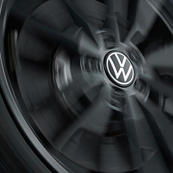 Dynamische naafkapjes VW met stilstaand logo. (Neue VW logo)